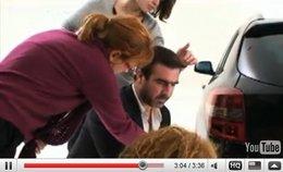 Vidéo pub : Cantona dans une Laguna (version anglaise et making of)