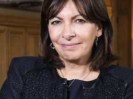 Paris: nouvelle offensive d'Anne Hidalgo contre la voiture