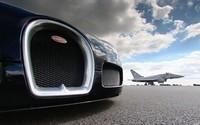 Bugatti Veyron versus Eurofighter Typhoon – Acte 2 (+vidéo)
