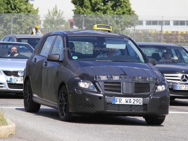 Spyshot : le Prochain Mercedes Classe B en version...Taxi