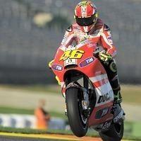 Moto GP: Valentino Rossi joue les pères fouettard avec Andrea Dovizioso