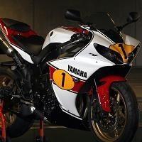 Insolite - Yamaha: Ago dédicace une R1 mise aux enchères pour la bonne cause