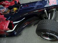 Toro Rosso en V10 jusqu'en 2008?