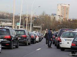 Taxi vs VTC: la grève reconduite et un médiateur envoyé au front