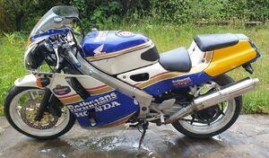 50 motos aux enchères à Solterre (45): les résultats