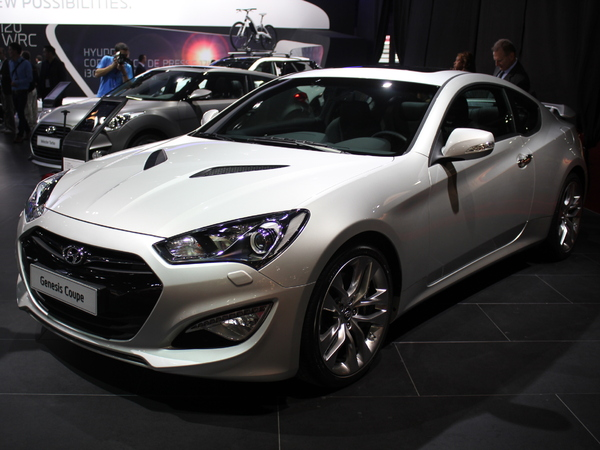 Vidéo en direct du Mondial 2012 - Hyundai Genesis Coupé restylé, l'injustement boudé