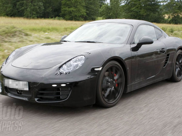 Le futur Porsche Cayman surpris de plus près mais toujours camouflé