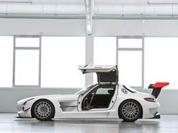 Une Mercedes SLS GT3 aux 24 Heures de Dubaï