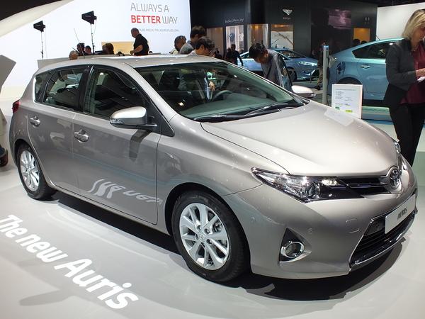Vidéo en direct du Mondial 2012 : Toyota Auris 2, mais c'est une Lexus !