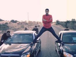 A Gaza, des jeunes parodient la publicité Volvo avec Jean-Claude Van Damme