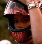 Moto§Sexy - Vidéo: quant Rihanna flingue la S 1000RR