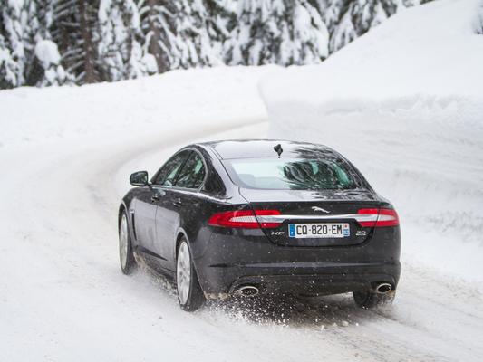 Jaguar dit non à la voiture totalement autonome