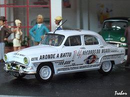 Miniature : 1/43ème SIMCA Aronde Elysée des records