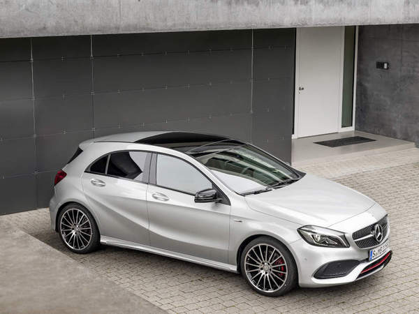 S7-Mercedes-Classe-A-restylee-une-version-AMG-a-381-ch-103434