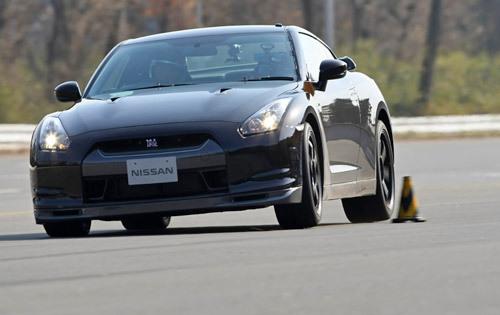 [Vidéo] Premier essai de la Nissan GTR V Spec : elle vaut une ZR1