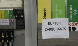 Une grève des transporteurs de carburants fait craindre une pénurie dans les stations