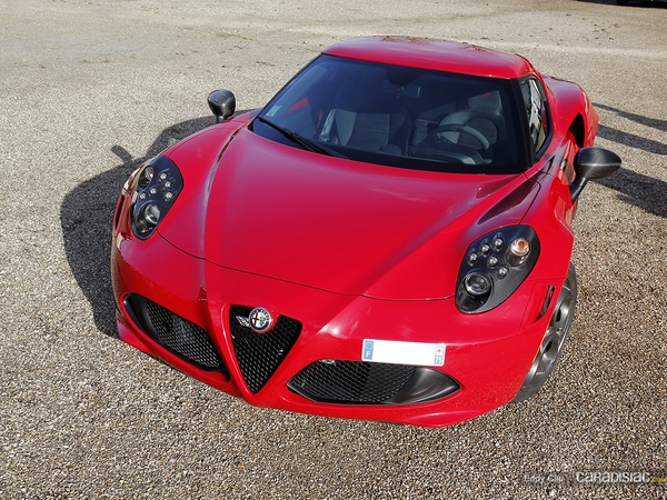 Photos du jour : Alfa Romeo 4C launch Edition (Cars & Coffee Paris)