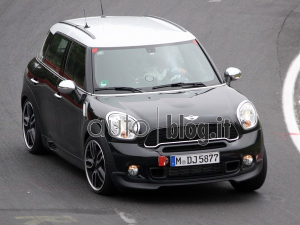 Surprise : la Mini Countryman JCW sur le Ring