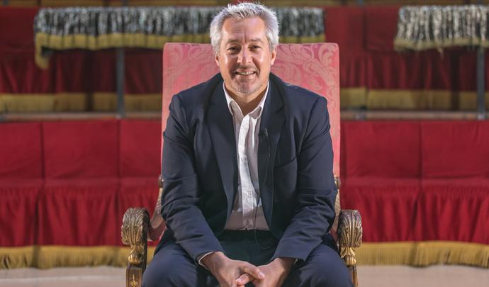 """Interview d'Ivan Segal (directeur du commerce France Renault): """"le marché basculera vers l'électrique, reste à savoir à quelle vitesse"""" - Salon Caradisiac 2021"""