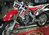 Supermotard, championnat du Monde 2012: Mauno Hermunen roulera Honda (vidéo)
