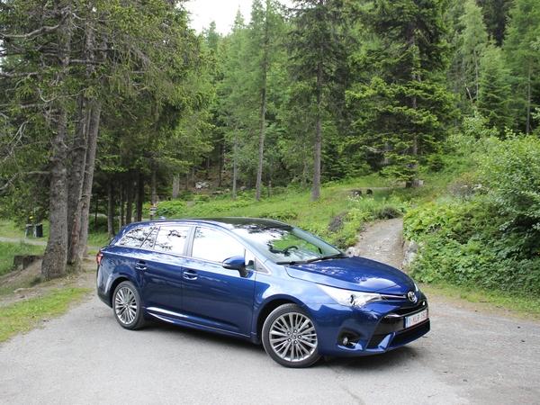 La Toyota Avensis restylée arrive en concession : gros changements