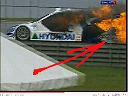 [vidéo] Tuka Rocha n'est pas Lauda : il se jette de sa voiture en flammes en pleine ligne droite !