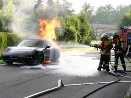 Un prototype de la future Porsche 911 Cabriolet s'envole en fumée