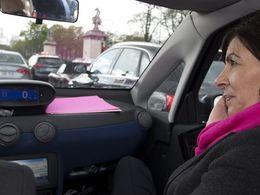 Paris: la circulation alternée pollue encore l'atmosphère politique