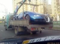 Veyron : la prochaine fois, elle sera mieux garée c'est sûr !