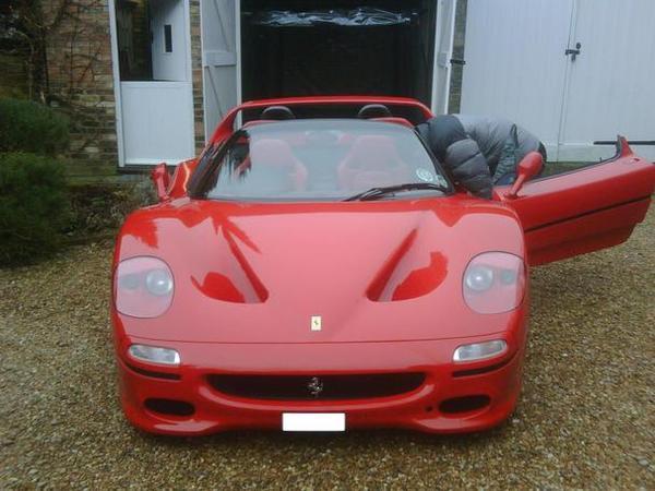 La Ferrari F50 du Sultan du Bruneï est à vendre