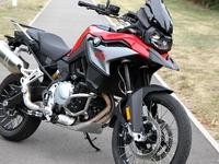 Royal Enfield et BMW boostent le marché de la moto en septembre