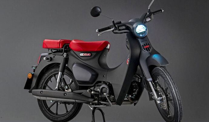 Honda Super Cub 125 2022: Euro 5 et une nouvelle selle passager au programme