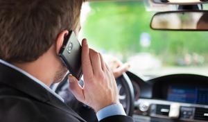 Sondage - Téléphone au volant: selon vous, faut-il durcir les sanctions?