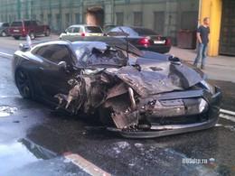 [vidéo] Nissan GT-R : Quand Godzilla passe, les voitures garées trépassent