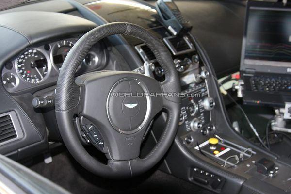 Bienvenue à bord de l'Aston Martin Rapide