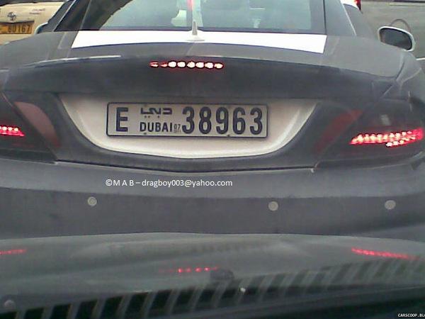 Spyshot : la future Mercedes SLK se promène à Dubaï