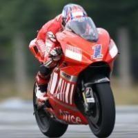 Moto GP - République Tchèque D.1: Stoner égalise, Michelin en difficulté