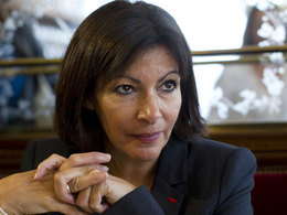 Circulation alternée à Paris: Anne Hidalgo charge Ségolène Royal