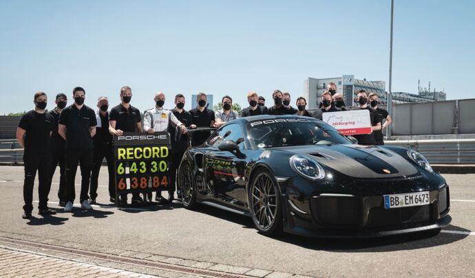 Porsche bat le record du Nürburgring pour une voiture de série