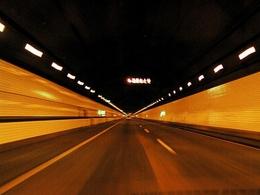 Sécurité routière: on conduit mal dans les tunnels