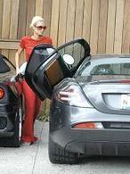 Paris Hilton et son problème de portière