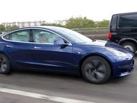 """Tesla """"rappelle"""" 285 000 voitures en Chine"""
