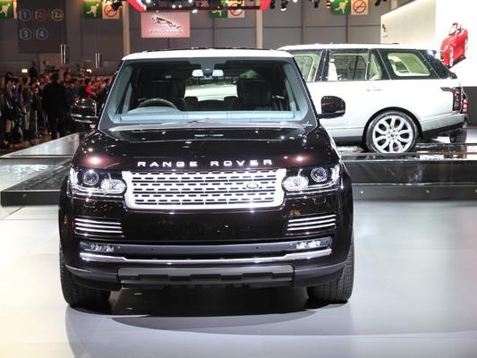 Land Rover : pas de Range Rover hybride rechargeable avant plusieurs années