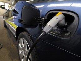 Arnaud Montebourg souhaite préparer la venue de la Renault Zoe avec des bornes de recharge