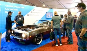Une Camaro cabriolet de 1969 transformée en électrique