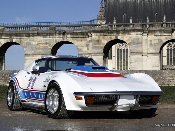 Photos du jour : Chevrolet Corvette C3 Stingray (Vincennes en Anciennes)