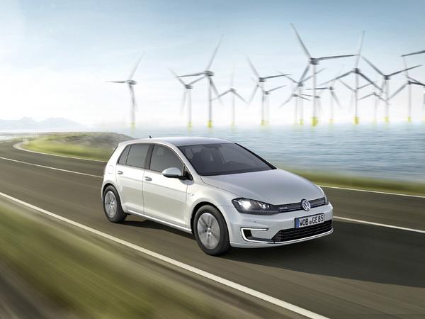 Volkswagen développe un système de recharge rapide automatique