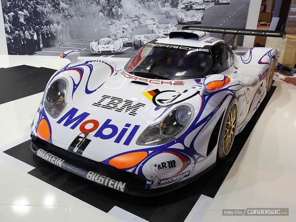 Photos du jour : Porsche 911 996 GT1 (Rétromobile)