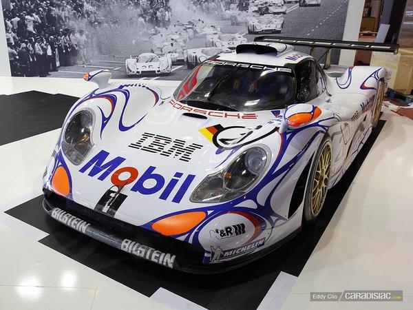 Photos du jour : Porsche 911 996 GT1 (Rétromobile)