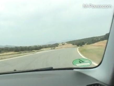 [Vidéo] La BMW Serie 1 M à l'assaut du circuit Ascari
